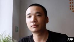 Nguyen Ha Dong, pencipta game Flappy Bird di kedai kopi di Hanoi, 5 Februari 2014.