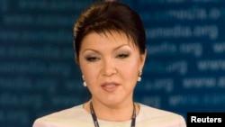 قازقستان کے سبکدوش ہونے والے صدر نذر بایوف کی صاحبزادی داریغہ۔ فائل فوٹو