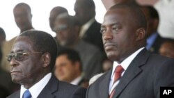 Rais Robert Mugabe wa Zimbabwe na Rais Joseph Kabila wa DRC