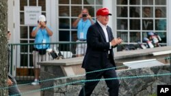 Presiden AS Donald Trump tengah berlibur di resor golfnya di Bedminster, New Jersey (foto: dok).