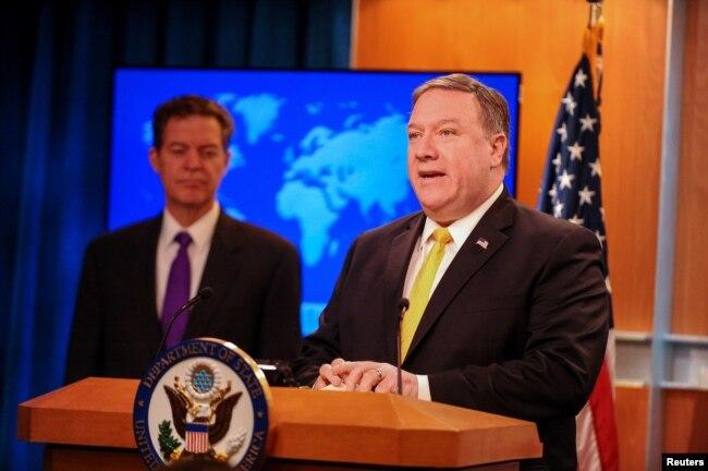 美國國務卿蓬佩奧和國務院負責宗教自由事務的無任所大使山姆·布朗拜克2018年5月29日共同發表《世界宗教自由年度報告》