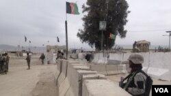 مقامهای محلی کنر گفته اند که ۸۵ راکت بر ولسوالیهای سرحدی آن ولایت اصابت کرده است