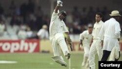 پاکستان کرکٹ ٹیم نے 1996 میں انگلینڈ کا دورہ کیا اور ٹیسٹ سیریز میں کامیابی اپنے نام کی۔