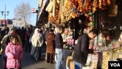 Prodavnice začina na jednoj pijaci u Turskoj