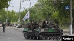 En medio de un aparente respeto del cese al fuego, la OTAN asegura que todavía están desplegados a unos 1.000 soldados rusos en Ucrania.