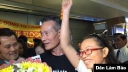 Blogger Tạ Phong Tần được chào đón khi tới Mỹ năm 2015.