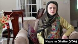 Kulsoom Abdullah berupaya memberdayakan perempuan lain untuk lebih terlibat dalam olahraga angkat besi (foto: dok).