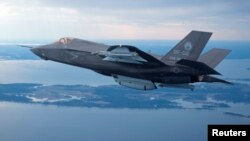 한국 공군이 차기 전투기 기종으로 구매를 검토 중인 미국 록히드마틴사의 F-35 전투기. (자료사진)