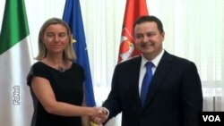 Italijanska ministarka spoljnih poslova Federika Mogerini i šef srpske diplomatije Ivica Dačić u Beogradu, 28. jul, 2014.