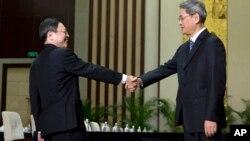 陆委会主委王郁琦和国台办主任张志军于今年2月进行会晤