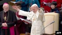 Roma papası xristianlara qarşı hücumları pisləyir