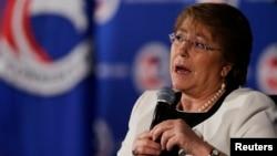 El apoyo ciudadano hacia la presidenta Bachelet disminuyo a un 37 por ciento a la misma vez que su credibilidad bajó.