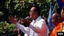 ကေမၻာဒီးယား အတိုက္အခံေခါင္းေဆာင္ Sam Rainsy