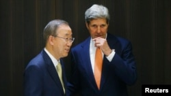 Menteri Luar Negeri Amerika John Kerry dan Sekretaris Jenderal PBB Ban Ki-moon di Yerusalem (23/7).