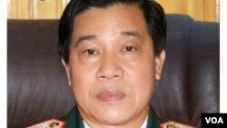 Tướng Nguyễn Xuân Sang. (Hình: Trích xuất từ Thanhnien.vn, Baogialai.vn)