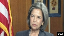 Wakil Menlu AS Maria Otero saat diwawancarai oleh VOA siaran bahasa Tibet, Jumat (22/6).