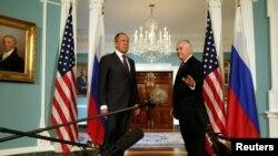 Госсекретарь США Рекс Тиллерсон и глава МИД РФ Сергей Лавров