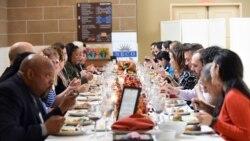 Les Américains célèbrent la fête de Thanksgiving