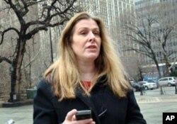 努南(Ann Noonan), 美國國際廣播委員會執行主任