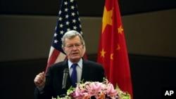 2015年4月23日,美国驻华大使博卡斯在北京谈论知识产权