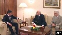 Presidenti Topi takohet me ish-presidentët Moisiu e Mejdani