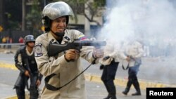 La represión dejó 43 muertos y centenares de heridos durante las protestas contra Maduro entre febrero y mayo de 2014.