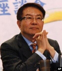 台灣產經建研社理事長洪奇昌