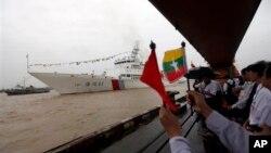 တရုတ္ကင္းလွည္ သေဘၤာ MV Haixun 01 ျမန္မာႏုိင္ငံကို ဆိပ္ေရာက္လာစဥ္။ (ဇူလိုင္၂၄၊ ၂၀၁၃)