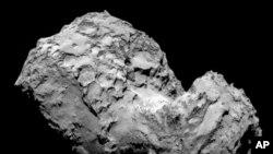 "OSIRIS窄视角相机拍摄的彗星""67P/丘留莫夫-格拉西缅科""。"