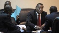 Pascal Affi N'guessan, président du Front populaire ivorien, au micro de Nicolas Pinault