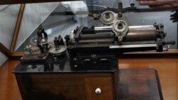 کشف استوانه های مومی ضبط صدا در لابراتوار توماس اديسون