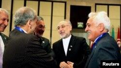 敘利亞外長瓦利德穆阿利姆(右二)