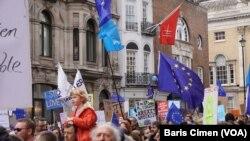 یورپی یونین سے علیحدگی سے متعلق 2016 میں ہونے والے ریفرنڈم کے بعد برطانیہ میں سیاسی بحران کا آغاز ہوا تھا۔ (فائل فوٹو)