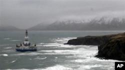美国阿拉斯加州南部外海中的荷兰皇家壳牌公司的油井