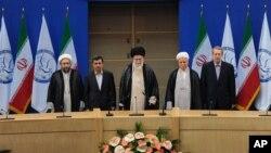 ຜູ້ນໍາສູງສຸດອິຣ່ານ Ayatollah Ali Khamenei ຖະແຫຼງຕໍ່ກອງ ປະຊຸມສຸດຍອດ ບໍ່ຮ່ວມກຸ່ມ ກ່ຽວກັບໂຄງການນີວເຄລຍຂອງຕົນ.