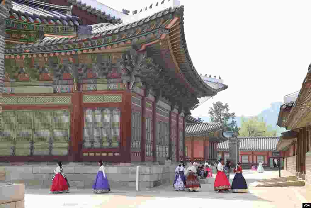 نمایی از کاخ گیونگ بوک گانگ