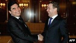 Medvedev Kremlin'de Türkmenistan Devlet Başkanı Kurbankulu Berdimuhammedov ile