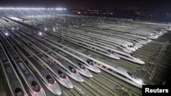 中国经济飞速发展,高铁子弹头列车司空见惯 (2018年2月1日资料照)