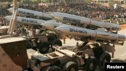 印度在國慶日閱兵儀式上展示的布拉莫斯導彈。
