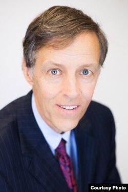 """""""信息技术和创新基金会""""总裁罗伯特·阿特金森"""
