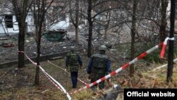 Pripadnici Vojske Srbije na mestu eksplozije u Tehničko-remontnom zavodu u Kragujevcu (foto: Ministarstvo odbrane Republike Srbije http://www.mod.gov.rs )