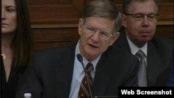 視圖截屏 美國會議員拉馬爾史密斯在聽證上發言