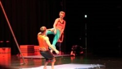 Scientist Circus Performers Make Physics Fun