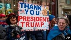 En la ciudad de Nueva York también se presentaron las marchas, algunas se replicaron incluso en estados de raigambre demócrata, como California.