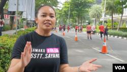 Co-Director Hollaback! Jakarta Anindya Restuviani mengatakan setidaknya ada 400 cerita yang masuk ke website-nya terkait pelecehan di ruang publik. (VOA/Rio Tuasikal)