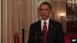 براک اوباما رییس جمهور ایالات متحده حین اعلان خبر کشته شدن اسامه بن لادن رهبر القاعده