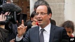 ທ່ານ Francois Hollande ປະທານາທິບໍດີທີ່ຖືກເລືອກຕັ້ງໃໝ່ຂອງຝຣັ່ງ. ວັນທີ 10 ພຶດສະພາ 2012.