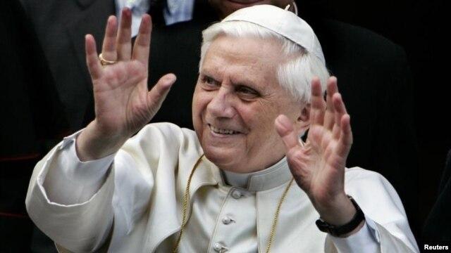 Ðức Giáo Hoàng Benedict XVI nói vì tuổi tác cao, ngài không còn thích hợp với các yêu cầu của chức vụ.