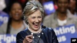 Hillary Clinton lleva la delantera en cuanto al número de delegados obtenidos en las primarias, pero en Nueva York Bernie Sanders se presenta como el favorito.