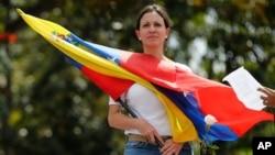 María Corina Machado insiste en que la salida debe ser la renuncia del presidente Maduro